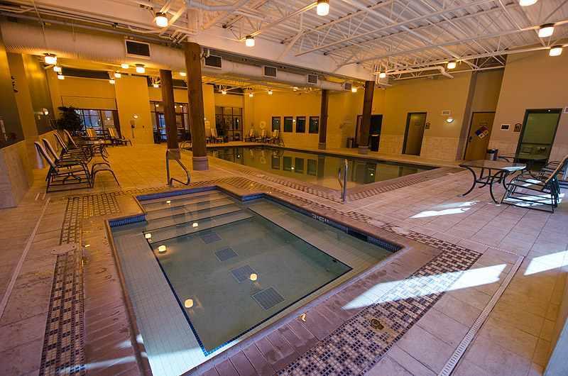 Hotel Pool & Hot Tub