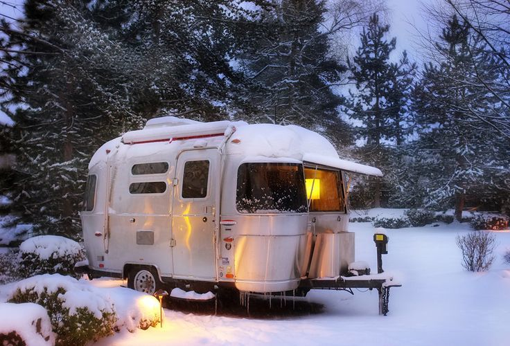 Single axle Airstreams are often called a Bambi. This one sure is cute!