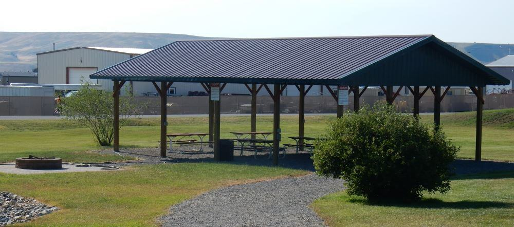 The picnic area typifies the look of the park, clean and sparse.