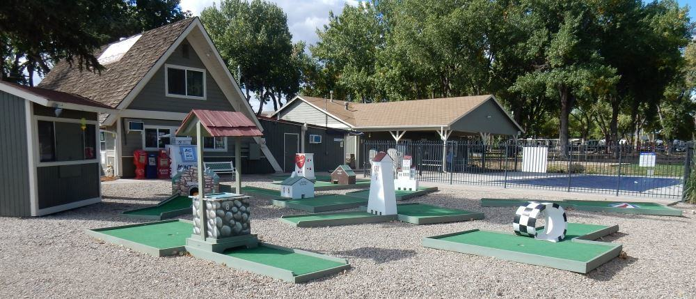 Mini Golf seems like a big thing in the interior western states. Trail beat me by two strokes on this course.
