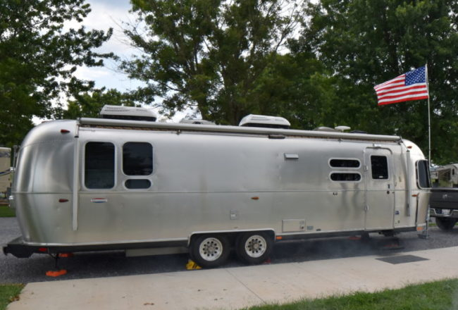 2016 Airstream International Serenity 30 ft Rear-Bed For Sale
